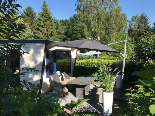 Luxe chalet in Epe met mooi terras voor max. 4 personen