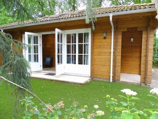 Luxe houten vakantiehuis in Ermelo voor max 6 personen