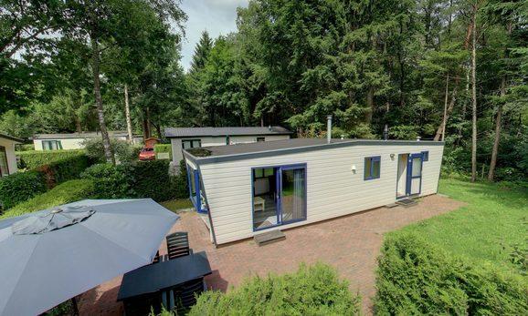 Mooie luxe chalet in Epe met ruime tuin en terras voor max. 4 personen